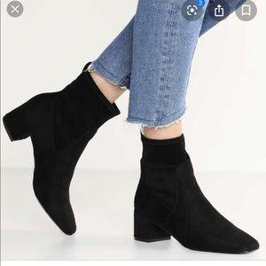 Aldo Stefi-N black suede ankle boots